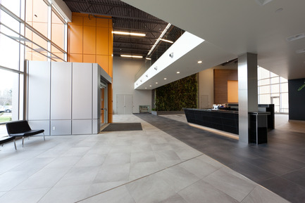 Press kit | 819-01 - Press release | Headquarters ofSchlüter Systems Inc. - DCYSA Architecture & Design - Commercial Architecture - Photo credit: Alex St-Jean