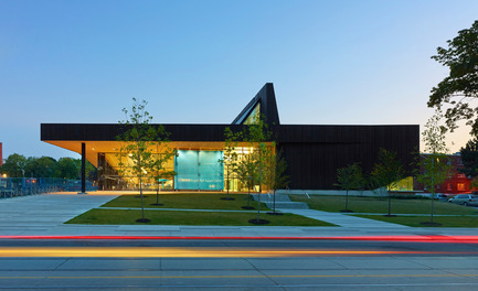 Press kit | 809-11 - Press release | Azure announces the finalists of the fourth annual AZ Awards - Azure Magazine - Competition - MacLennan Jaunkalns Miller Architects, Regent Park Aquatic Centre, Toronto, Canada