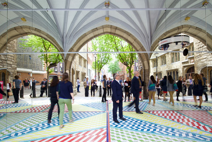 Press kit | 1109-02 - Press release | Clerkenwell Design Week celebrates a record-breaking fifthedition - Clerkenwell Design Week - Event + Exhibition - Tile Mile by russ + henshaw & Turkishceramics  - Photo credit: Sophie Mutevelian