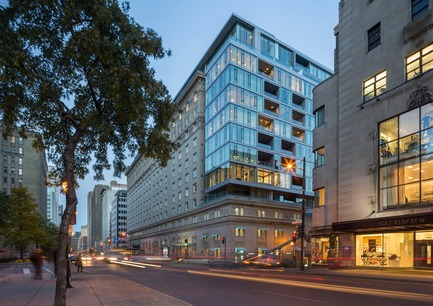 Press kit | 952-06 - Press release | A new glass envelope for the Ritz-Carlton Hotel - Provencher_Roy - Residential Architecture - Ritz Hotel - Photo credit: Stéphane Groleau