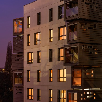 Press kit | 1151-01 - Press release | Carre Seine - Pietri Architectes - Residential Architecture - housing by night<br> - Photo credit: Thierry Favatier<br>