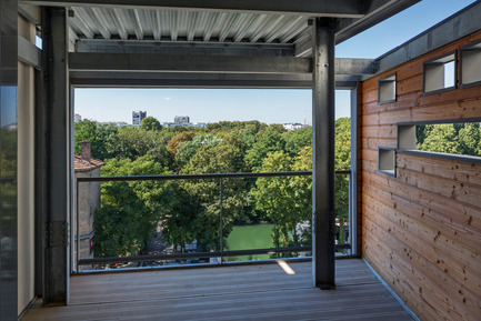 Press kit | 1151-01 - Press release | Carre Seine - Pietri Architectes - Residential Architecture - View of the island Saint Germain - Photo credit: Thierry Favatier<br>