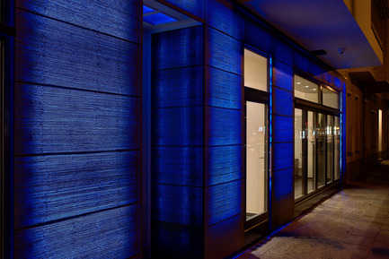 Press kit | 964-02 - Press release | Unique LUCEM light transmitting concrete facade in Berlin - Lucem Lichtbeton - Lighting Design - Photo credit: LUCEM