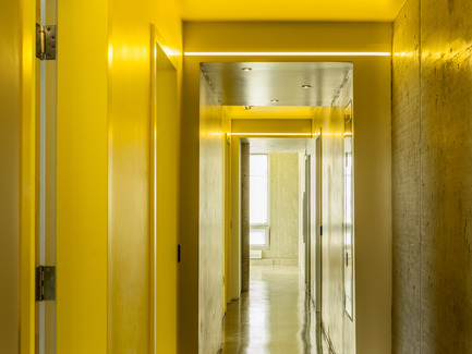 Press kit | 1057-03 - Press release | Edison Residence - KANVA - Residential Architecture - Corridor - Photo credit: Marc Cramer
