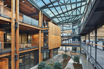 Press kit | 1124-01 - Press release | The WIN Awards 2014 open for entries - World Interiors News - Competition - Official Name of Project: Federal Center South Building 1202Location: Seattle, United StatesArchitects/Designers: ZGF Architects LLPPhotographer: Benjamin BenschneiderWorld Interiors News Awards 2014 Entry: Workspace interiors Category