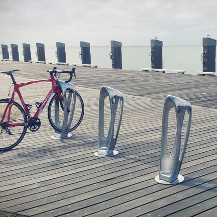 Press kit | 902-03 - Press release | A' Design Award & Competition / International Call for Entries - A' Design Award and Competition - Competition - Design Name : The Zephyr<br>Primary Function : Multifunctional Bike Storage Bollard - Photo credit: Rick Hall & Huiming Wong