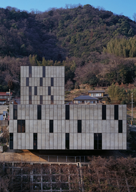 Press kit | 1028-04 - Press release | Announcing the winners of the LEAF Awards 2014 - LEAF International - Competition -  Residential Building of the Year - Multiple Occupancy<br>Mount Fuji Architects Studio, Seto, Fukuyama-shi, Hiroshima - Photo credit:   Photo courtesy LEAF Awards