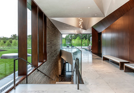Press kit | 1124-03 - Press release | World Interiors News Annual Awards 2014 Winners Announced - World Interiors News - Competition - Winner of Public Sector Category<br>Lakewood Cemetery Garden Mausoleum by HGA Architects and Engineers  - Photo credit: Paul Crosby<br>