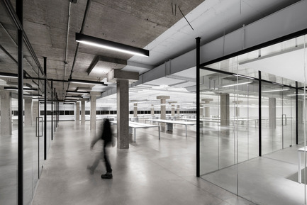 Press kit | 1081-02 - Press release | SSENSE - Humà design + architecture - Commercial Interior Design - Photo credit: Adrien Williams