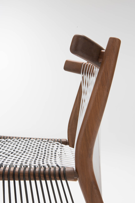 Press kit | 1539-01 - Press release | Loom Collection by H: Inspired by Mexican Tradition - H - Industrial Design -  Loom Chair<br>H: 78cm; W: 52cm; D: 55cm<br>Walnut, Black and White Cords<br>Designer: Hierve - Photo credit: Peter Guenzel