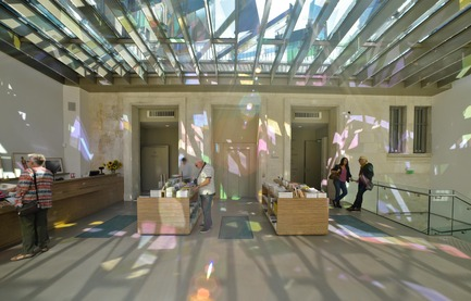 Press kit | 924-02 - Press release | Vincent van Gogh Foundation  Rehabilitation, extension. - Fluor Architecture - Institutional Architecture - Work of the artiste Raphael Hefti in the shop - Photo credit:   ©Fluor Architecture