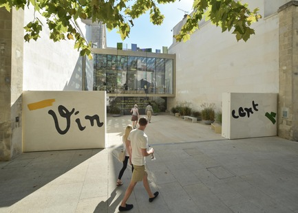 Press kit | 924-02 - Press release | Vincent van Gogh Foundation  Rehabilitation, extension. - Fluor Architecture - Institutional Architecture -  Public entrance  - Photo credit: ©Fluor Architecture