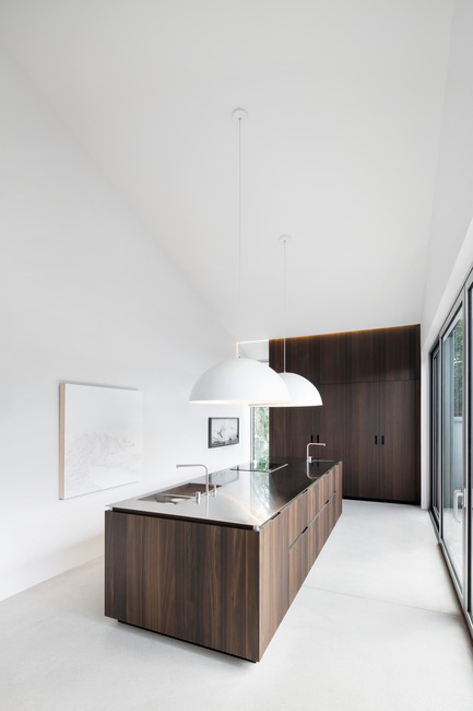 Press kit | 1560-01 - Press release | Holy Cross House - TBA / Thomas Balaban Architecte - Residential Architecture - Kitchen - Photo credit: Adrien Williams