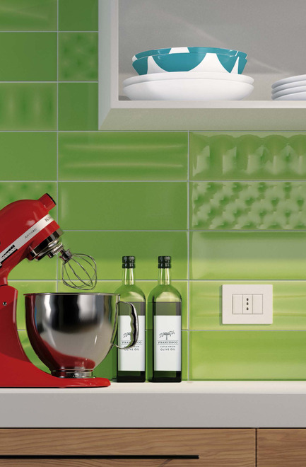 Press kit | 1606-01 - Press release | A new tile collection inspired by the Pop Art of Roy Lichtenstein - Ceratec - Product - Kitchen - Photo credit: POP series by Ceratec