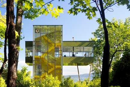 Press kit | 809-15 - Press release | Azure announces the finalists of the fifth annual AZ Awards - Azure Magazine - Competition - Residential Architecture – Single Family: GLUCK+: Tower House, Upstate New York, USA<br> - Photo credit:  AZ Awards 2015