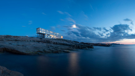 Press kit | 809-15 - Press release | Azure announces the finalists of the fifth annual AZ Awards - Azure Magazine - Competition - Social Good Award: Saunders Architecture: Fogo Island Inn, Newfoundland, Canada<br> - Photo credit:  AZ Awards 2015
