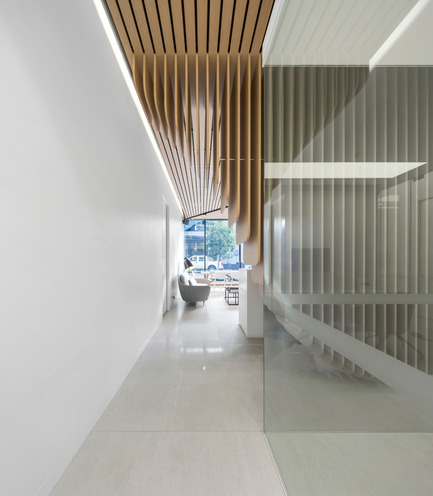 Press kit | 967-02 - Press release | Care Implant Dentistry - Pedra Silva Arquitectos - Commercial Architecture - Photo credit:  Fernando Guerra  http://ultimasreportagens.com/