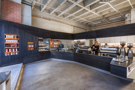 Press kit | 1771-01 - Press release | Coffee Bar Revitalizes Area - jones | haydu - Commercial Architecture - Overall panorama - Photo credit: Art Gray