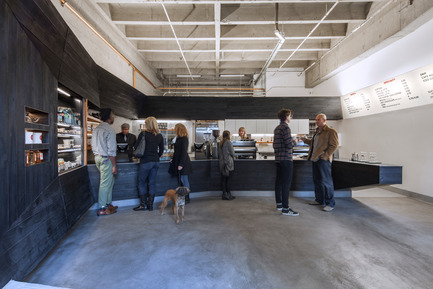 Press kit | 1771-01 - Press release | Coffee Bar Revitalizes Area - jones | haydu - Commercial Architecture - Photo credit: Art Gray