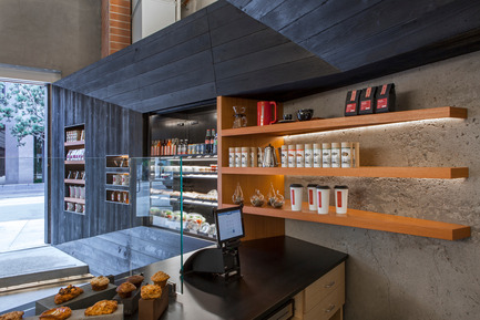 Press kit | 1771-01 - Press release | Coffee Bar Revitalizes Area - jones | haydu - Commercial Architecture - Detail of display - Photo credit: Art Gray