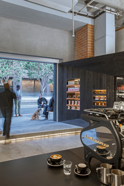 Press kit | 1771-01 - Press release | Coffee Bar Revitalizes Area - jones | haydu - Commercial Architecture - View through entrance to Kearny Street - Photo credit: Art Gray