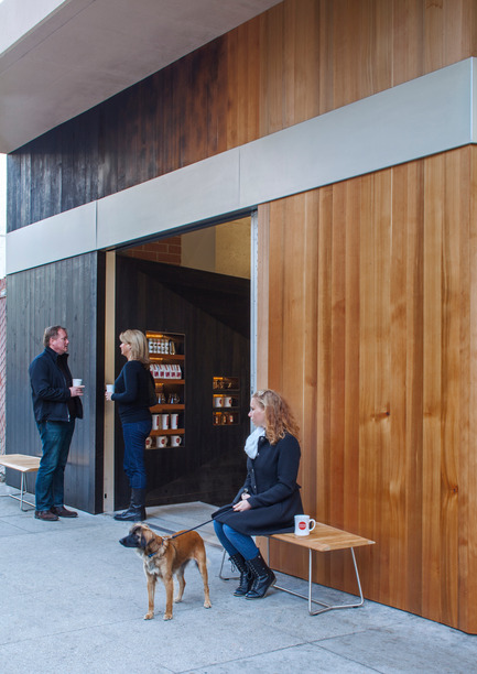 Press kit | 1771-01 - Press release | Coffee Bar Revitalizes Area - jones | haydu - Commercial Architecture - Entrance - Photo credit: Art Gray