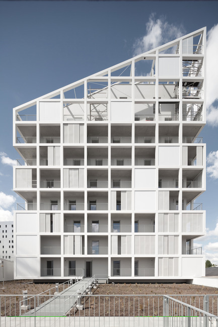 Press kit | 809-13 - Press release | Azure announces the winners of the fifth annual AZ Awards - Azure Magazine - Competition - Residential Architecture – Multi-Unit: Antonini Darmon: Oiseau des Îles Social Housing, Nantes, France<br> - Photo credit: n/a