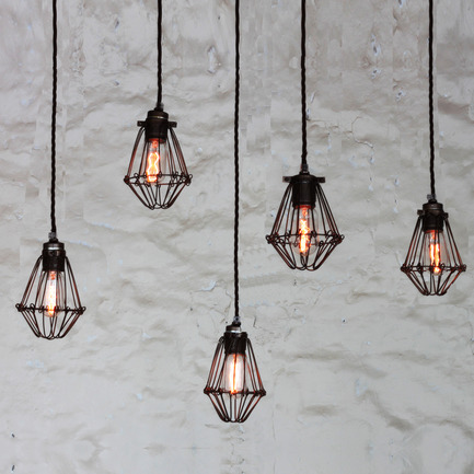 Press kit | 1818-01 - Press release | 100% Design showcases new talent alongside established UK and international brands, 23-26 September - 100% Design - Event + Exhibition - Praia Cage Pendant Light Cluster by Mullan Lighting  - Photo credit: Mullan Lighting