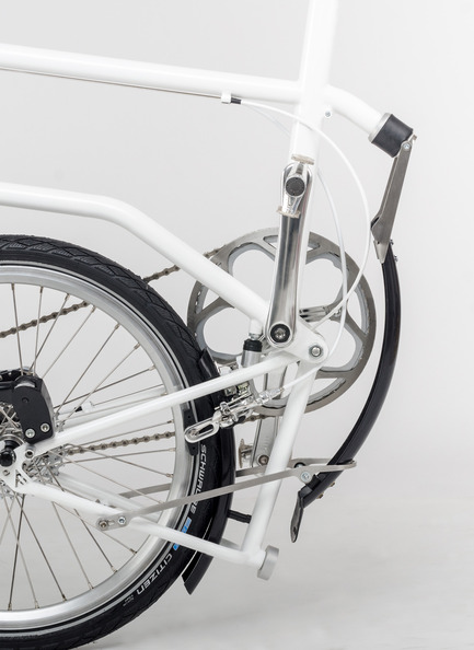 Press kit | 1833-01 - Press release | The first urban compact bike - VELLO bike - Industrial Design - Folding mudguard (patent pending) - Photo credit: V.Kutinkov