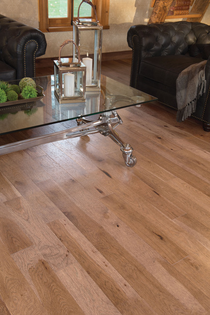Press kit | 1639-02 - Press release | The Imagine Collection from Mirage: designed to help hiding the marks and scuff of daily use - Mirage Hardwood Floors - Residential Interior Design -  Old Hickory Tree Bark, Distressed Look<br>  - Photo credit:  Mirage Hardwood Floors
