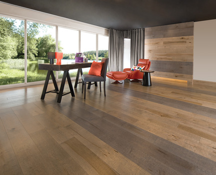 Press kit | 1639-02 - Press release | The Imagine Collection from Mirage: designed to help hiding the marks and scuff of daily use - Mirage Hardwood Floors - Residential Interior Design - Old Maple Rock Cliff & Papyrus, Cork Look<br> - Photo credit: Mirage Hardwood Floors