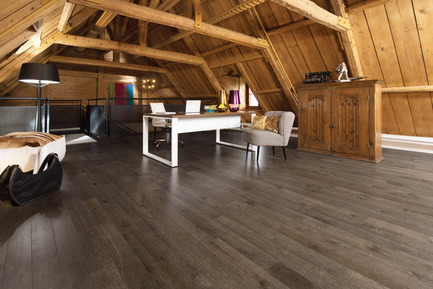Press kit | 1639-02 - Press release | The Imagine Collection from Mirage: designed to help hiding the marks and scuff of daily use - Mirage Hardwood Floors - Residential Interior Design - Old Maple Sandstone, Cork Look<br> - Photo credit: Mirage Hardwood Floors