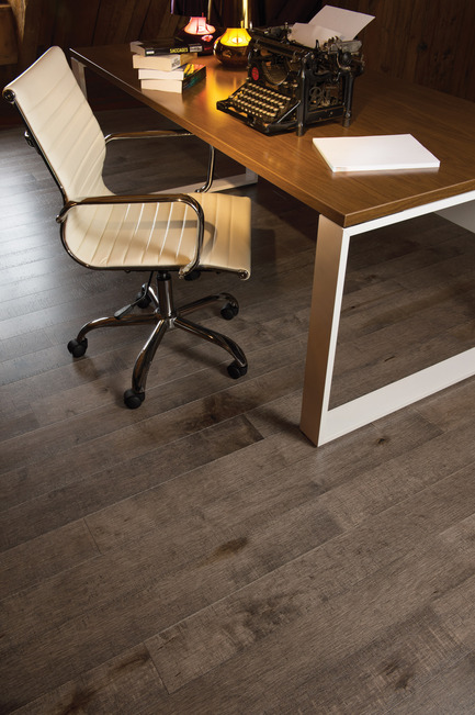 Press kit | 1639-02 - Press release | The Imagine Collection from Mirage: designed to help hiding the marks and scuff of daily use - Mirage Hardwood Floors - Residential Interior Design - Old Maple Sandstone, Cork Look - Photo credit: Mirage Hardwood Floors
