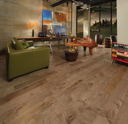 Press kit | 1639-02 - Press release | The Imagine Collection from Mirage: designed to help hiding the marks and scuff of daily use - Mirage Hardwood Floors - Residential Interior Design - Old Maple Linen, Cork Look<br> - Photo credit: Mirage Hardwood Floors<br>