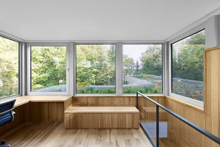 Press kit | 780-03 - Press release | House on Lac Grenier - Paul Bernier Architecte - Residential Architecture -         Rooftop room with view of the green roof   and woods       - Photo credit: Adrien Williams