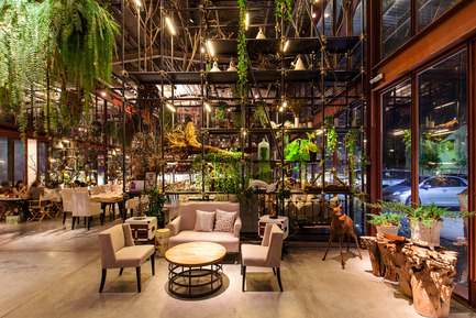 Press kit | 1972-01 - Press release | 'Vivarium' - A Tractor Warehouse Turned Restaurant by Hypothesis Won the INSIDE Award 2015 - Hypothesis - Commercial Interior Design - The entry area - Photo credit:  Hypothesis
