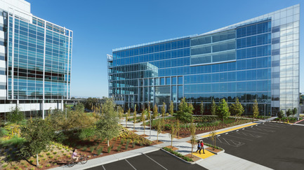 Press kit | 2041-01 - Press release | Silicon Valley's Newest Rooftop Park Brings Workplace Amenities to New Heights - DES Architects + Engineers - Landscape Architecture - Moffett Place Campus - Photo credit: Gregory Cortez
