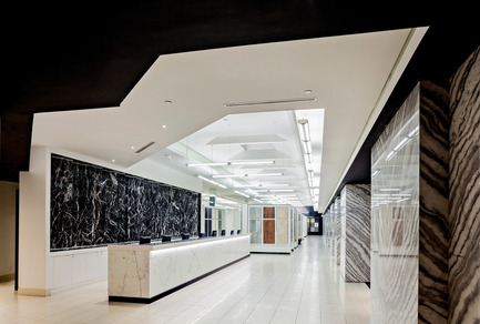 Press kit | 2066-01 - Press release | Canadian Design studio II BY IV DESIGN receives growing international recognition for Retail Environments - II BY IV DESIGN - Commercial Interior Design - Olympia Tile Showroom_Reception - Photo credit: Hill Peppard