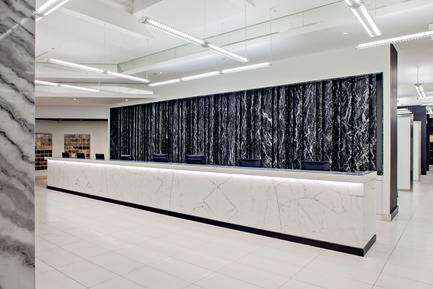 Press kit | 2066-01 - Press release | Canadian Design studio II BY IV DESIGN receives growing international recognition for Retail Environments - II BY IV DESIGN - Commercial Interior Design -  Olympia Tile Showroom_Reception<br>  - Photo credit: Hill Peppard