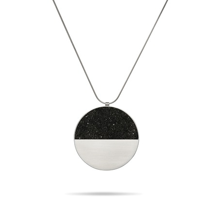 Press kit | 2063-01 - Press release | Stellar, a new concrete-and-diamond jewelry collection from Konzuk, launches at ICFF in New York in May 2016 - KONZUK  - Product -  Konzuk Stellar Collection: Capella Major, pendant  - Photo credit: Jason Koroluk