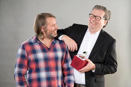 Press kit | 2074-01 - Press release | Toniebox wins Red Dot Award: Best of the Best - Boxine GmbH - Product - The founders Patric Faßbender and Marcus Stahl - Photo credit: Boxine GmbH