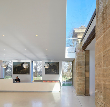 Press kit | 1164-01 - Press release | The Harley Gallery - Hugh Broughton Architects - Art - The entrance of the Harley Gallery, Welbeck<br> - Photo credit: Hufton+Crow