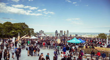 Press kit | 1969-02 - Press release | Chromatic makes stop at the Old Port of Montreal for its 7th edition - Chromatic Festival - Art - Chromatic Montréal on the Mount Royal Belvedere, 2015 - Photo credit: Bruno Destombes