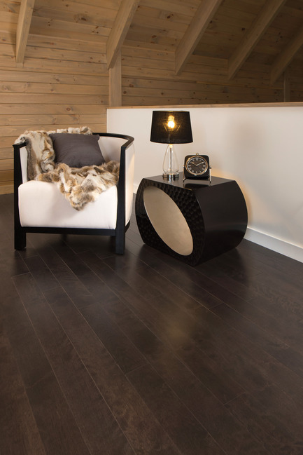 Press kit | 1639-05 - Press release | New colors and species come to the Mirage Sweet Memories Collection - Mirage Hardwood Floors - Residential Interior Design - Aged Yellow Birch, Black Jelly Bean - Sweet Memories Collection - Photo credit: Mirage Hardwood Floors