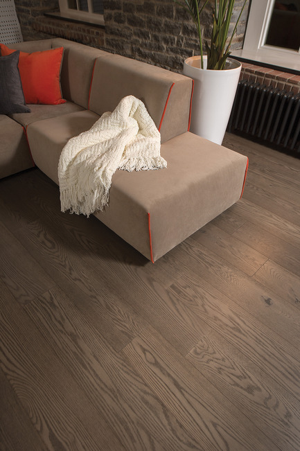 Press kit | 1639-05 - Press release | New colors and species come to the Mirage Sweet Memories Collection - Mirage Hardwood Floors - Residential Interior Design -  Handcrafted Red Oak, Tree House - Sweet Memories Collection  - Photo credit: Mirage Hardwood Floors