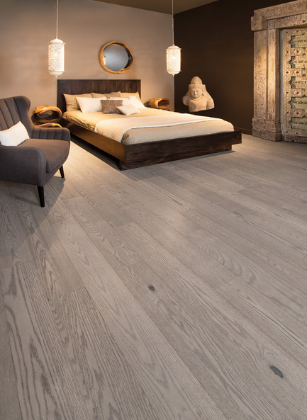 Press kit | 1639-05 - Press release | New colors and species come to the Mirage Sweet Memories Collection - Mirage Hardwood Floors - Residential Interior Design -  Handcrafted Red Oak, Treasure - Sweet Memories Collection  - Photo credit: Mirage Hardwood Floors