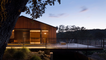 Press kit | 2112-01 - Press release | Brecon Estate Winery - Aidlin Darling Design - Commercial Architecture - Cantilevered deck at dusk - Photo credit: Adam Rouse