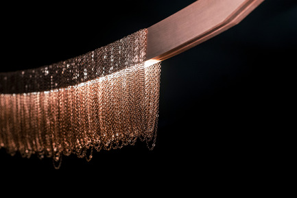 Press kit | 2110-01 - Press release | Larose Guyon's new lighting fixtures collection /Les Ateliers Guyon's new hanging chair - Larose Guyon - Lighting Design - Liane / Lighting fixture / Larose Guyon - Photo credit: Larose Guyon