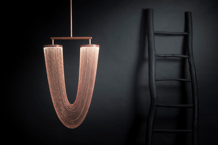 Press kit | 2110-01 - Press release | Larose Guyon's new lighting fixtures collection /Les Ateliers Guyon's new hanging chair - Larose Guyon - Lighting Design - Otéro - Small / Lighting fixture / Larose Guyon - Photo credit: Larose Guyon
