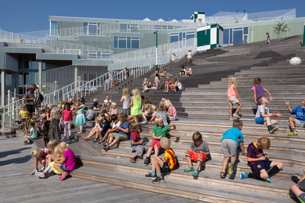 Press kit | 2013-03 - Press release | Winner announcements for the WAN Education, Sport in Architecture & Performing Spaces Award 2016 - World Architecture News Awards (WAN AWARDS) - Commercial Architecture - WAN Education Award 2016 Winner   - Photo credit:  SOUTH HARBOUR SCHOOL by JJW Architects © Torben Eskerod.